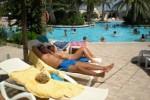 Free porn pics of Homme en vacances avec sa femme, son fils et sa belle-fille. 1 of 12 pics
